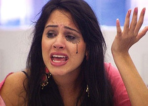 """Deana Uppal, an Indian-origin model and contestant on the Big Brother reality show has been facing a """"tirade of insults"""", including for her preference to eat food with her hands, prompting several complaints... Big Brother:Racist slurs against NRI model  http://www.newsx.com/story/big-brotherracist-slurs-against-nri-model"""