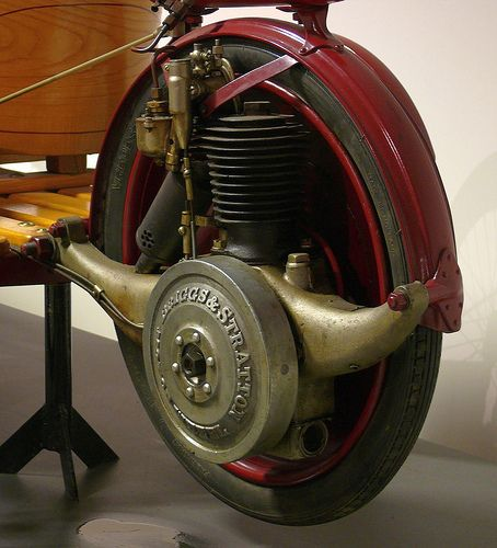 Briggs & Stratton Flyer 1920 engine |