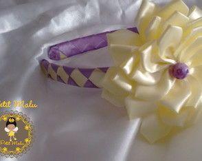 Tiara Trançada Lilás e Amarelo c/ Flor