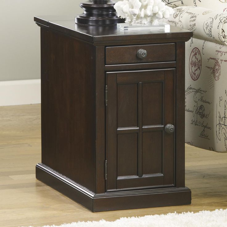 Best Laflorn Chair Side End Table With Power Outlets Pull Out 640 x 480