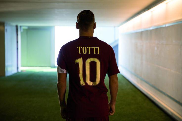 Captain Francesco Totti unveils the special AS Roma commemorative kit for the 'Derby della Capitale'.  #Captain #Legend #ASRoma #SerieA #Calcio #Totti #10