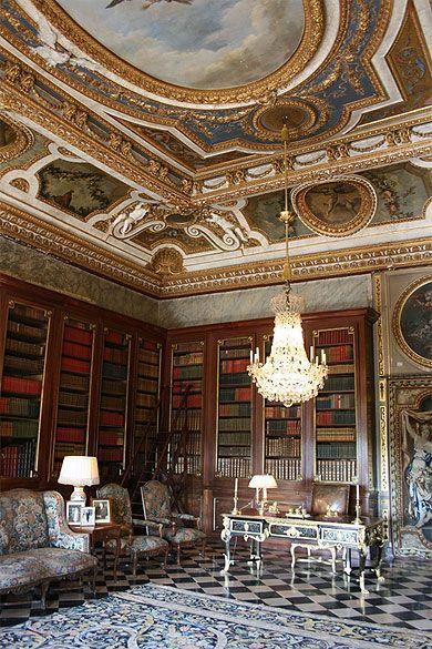 library of the Château de Vaux-le-Vicomte, Chantilly. Eric Masson