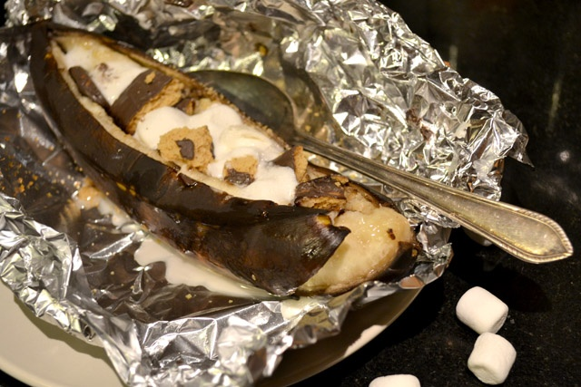 S'mores Campfire Banana Splits- great over the campfire, grill, or in your oven!