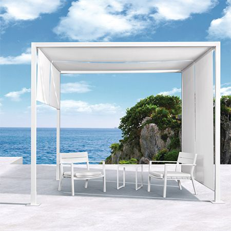 Gardens and Roses, the long established international supplier of outdoor furnishings and accessories, opened its first South African store last year in Cape Town's Claremont district. Now, building on that success, Gardens and Roses will extend its presence by opening its first Warehouse Outlet in Woodstock this weekend. http://www.easydiy.co.za/index.php/news-articles/606-gardens-and-roses-opens-in-woodstock