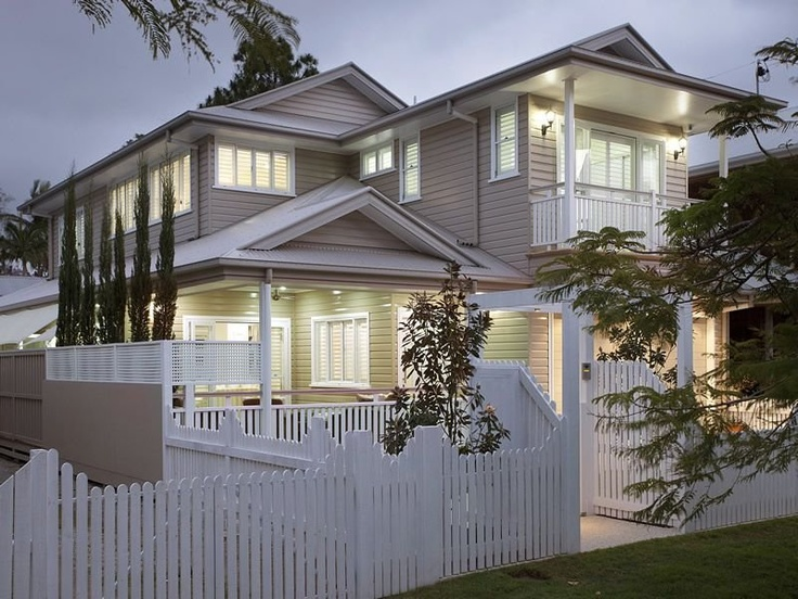 Love this... Queenslander, the colours, the lighting...