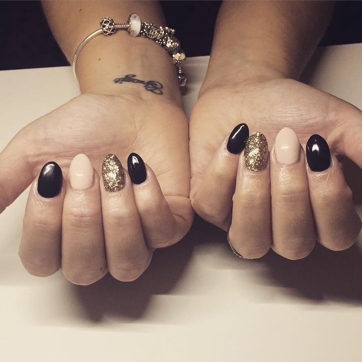 Black, nude & gold glitter nails @calgel_kelly