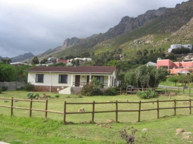 Gordons Bay Property | Price: R 1,799,000 | Ref: 3001554