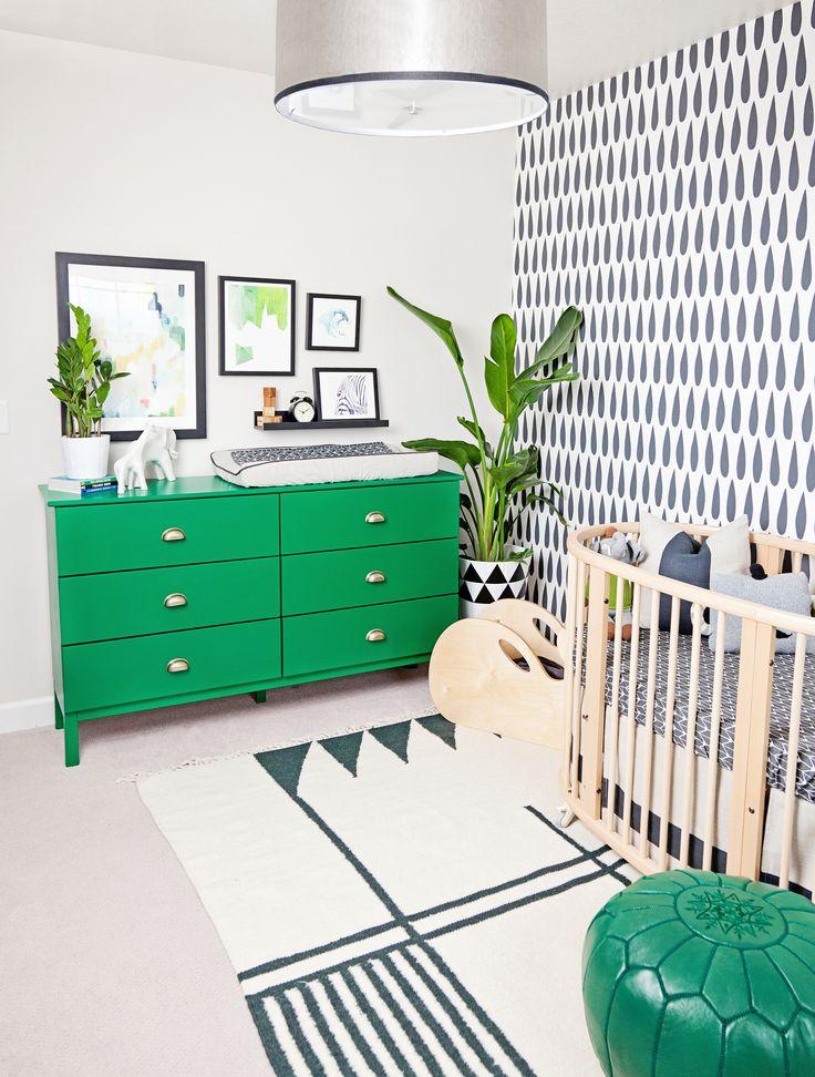 Black and White Nursery with Green Accents | Modern Nursery | Nursery Ideas