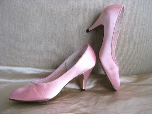 How To Dye Shoes My White Wedding Are Getting A Makeover So I