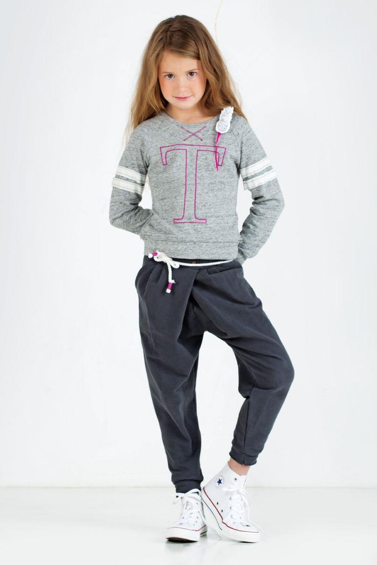 Shop mooie betaalbare aansluitende meisjestops bij online kinderkledingmerk TOPitm