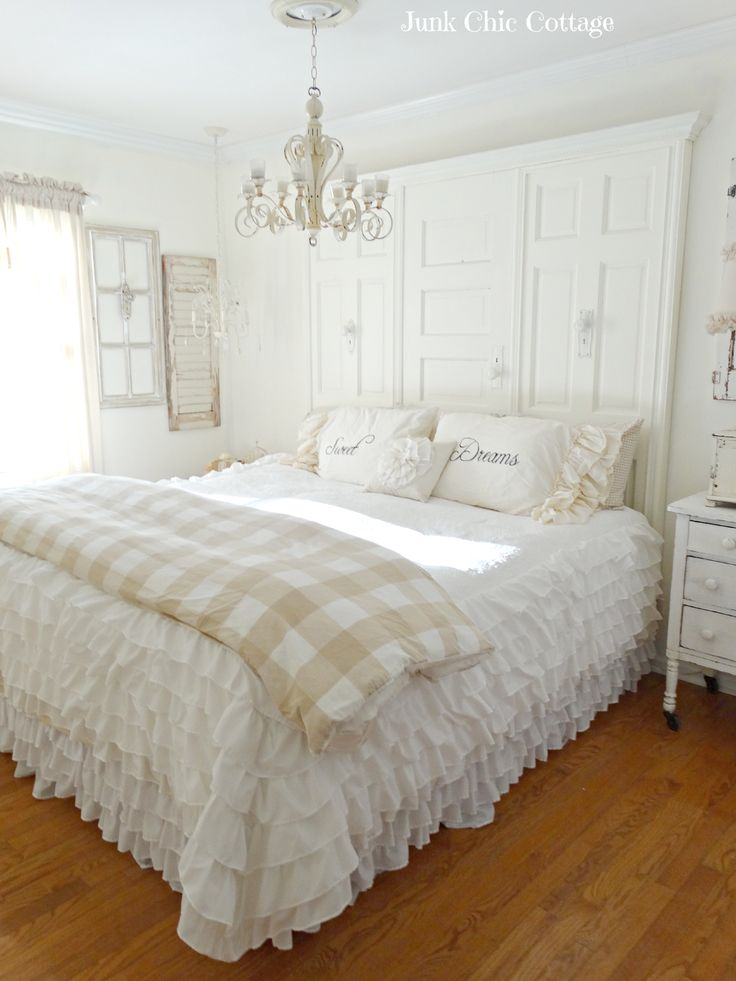 Diy shabby chic cream and white guest room makeover for Diy shabby chic bedroom ideas