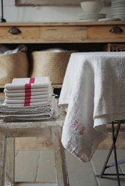 Kitchen linens. Bord de scène
