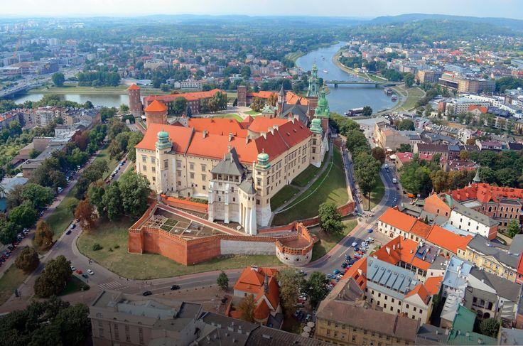 Zamek-Królewski-na-Wawelu.jpg (1100×729)