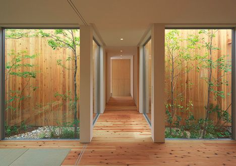 Private Paradise: Craftily Hidden Japanese Home & Garden   Read more: http://dornob.com/private-paradise-craftily-hidden-japanese-home-garden/#ixzz2dxp8Gi2r