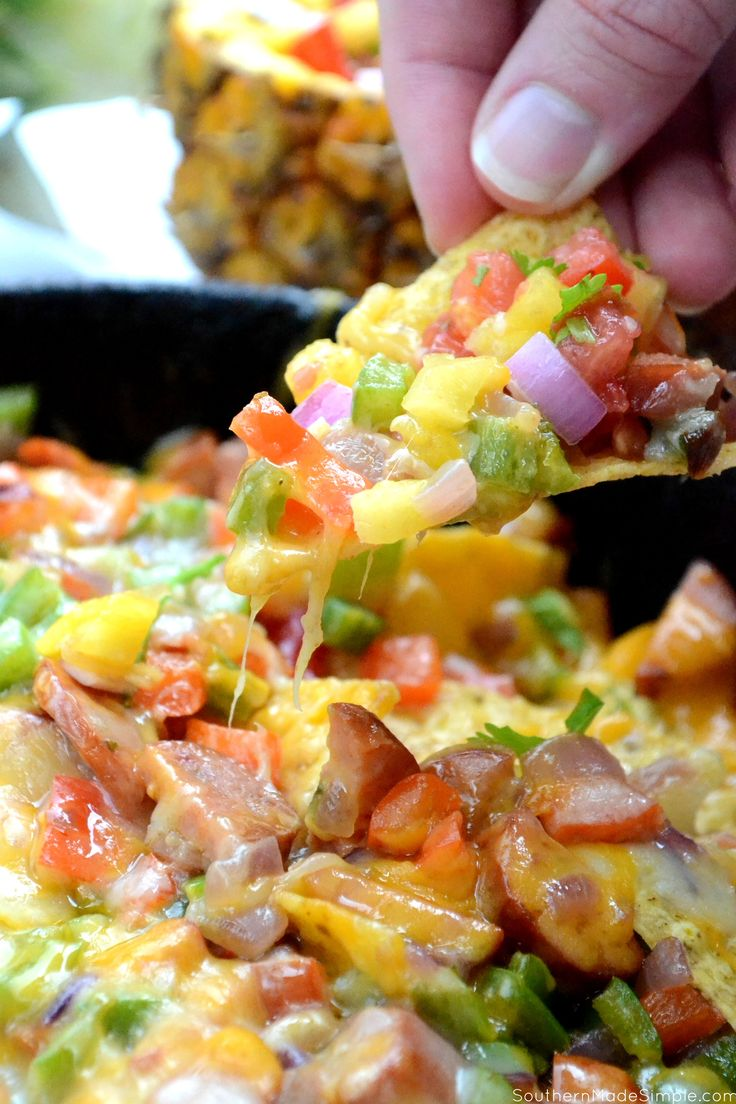 Bring the heat & savor the flavors of Summer with these Spicy Smoked Sausage & Pineapple Salsa Nachos! #GiveLifeMoreFlavor #ad