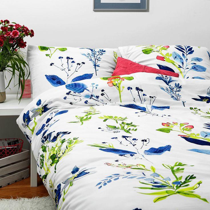Komplet pościeli z nadrukiem kwiatów, który ożywi każdą sypialnię. Pościel wykonana z 100% wysokogatunkowej bawełny o satynowym splocie.