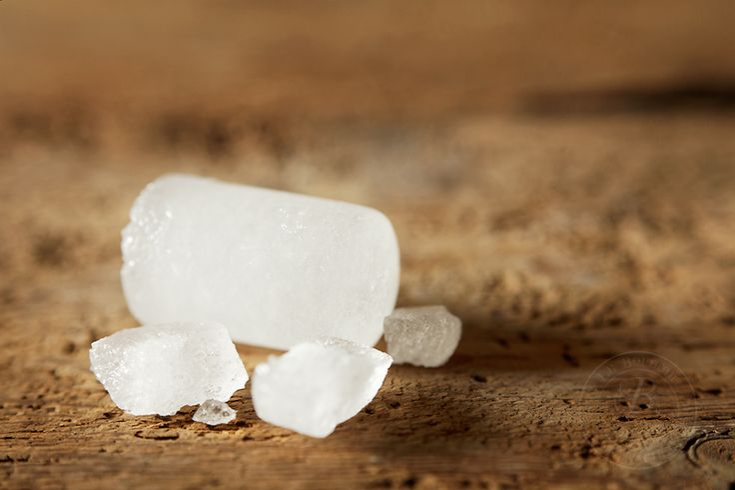 pierre d'alun: un sel d'aluminium comme les autres?