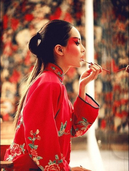 Chinese Opera Singer | [photographer unknown]