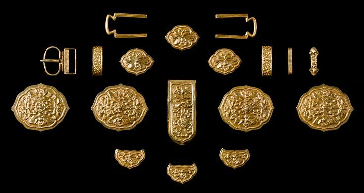 Framed Eighteen-Piece Gold Belt with Lotus Blossom Pattern. Yuan Dynasty, circa 1279 - 1368 CE, China