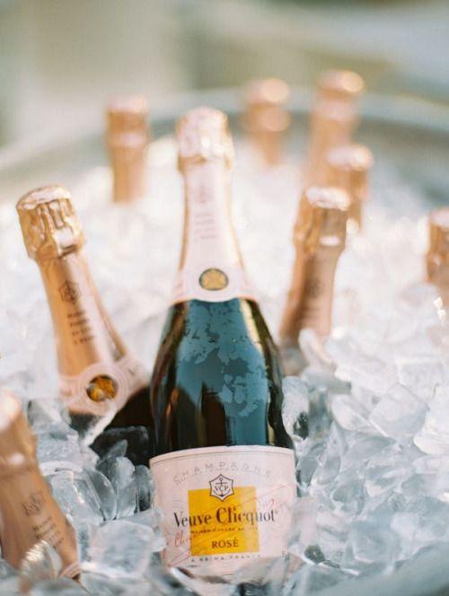 https://i.pinimg.com/736x/53/fe/dd/53fedd02d65dac036330068cb3c9042d--rose-champagne-le-bar.jpg