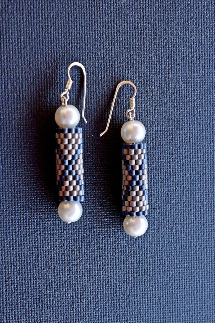 Beaded Earrings with pearls.Minimalist Earrings.Peyote Tube Earrings.Mariella's Code by mariellascode on Etsy
