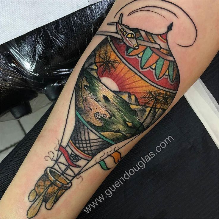 Scenic Hot Air Balloon by @guendouglas  at @taikogallery in Berlin Germany. #hotairballoon #airplane #scenic #guendouglas #taikogallery #berlin #germany #tattoo #tattoos #tattoosnob