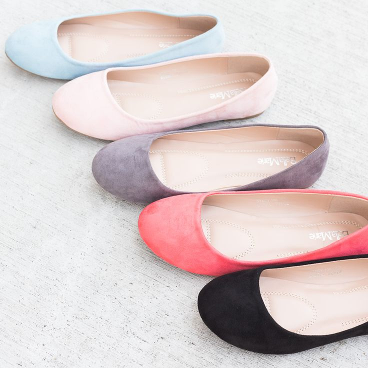 ★★★ 🅽🅴🆆 ★★★ Beautiful Flats - $13.99 (Reg. $34.99): These ballet flats are super cute! They are a faux suede material and have a slightly…