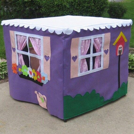 Card table play house: just sew fabric pieces together and add felt details. Drape over a card table and you get an instant playhouse hideaway!