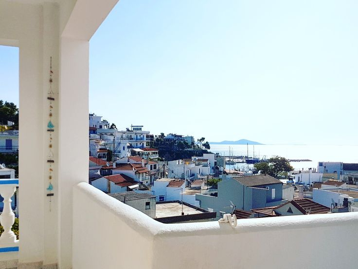 Missed this view...👀 3 months until summer 🌊☉ www.angelosalonissos.com #angelos_apartments #alonissos #sporades #greece #summer2018 #balcony