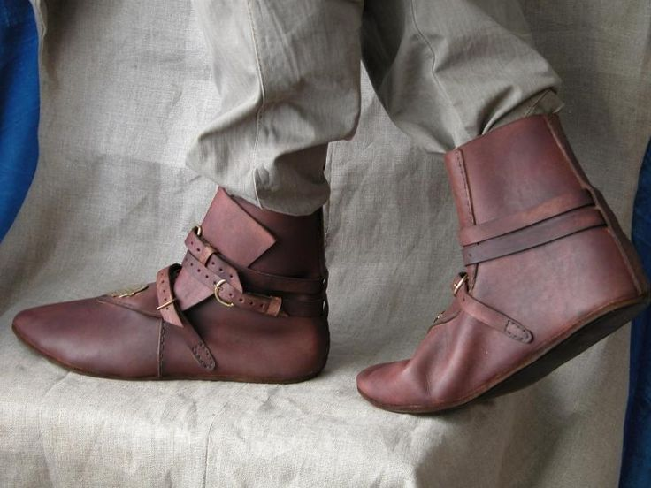 Another medieval boot style.