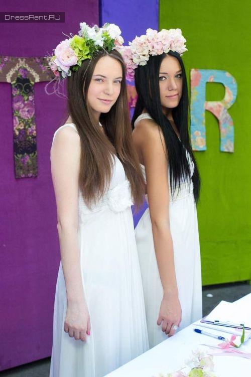 Белые платья в которых  подружки невесты будут чувствовать себя отлично, для свадьбы в стиле #рустик #Rustic