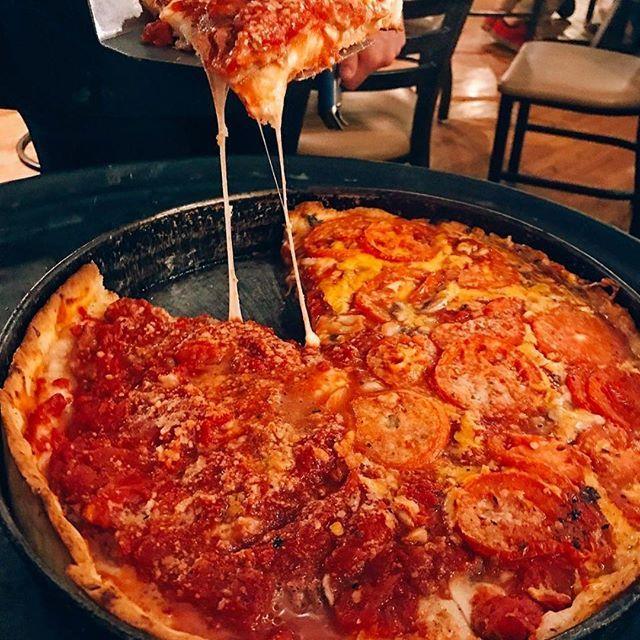 Lou Malnati's, the Best Chicago Deep Dish Pizza Restaurant