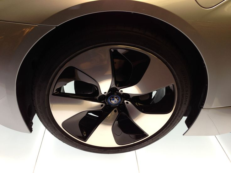 BMW i8 wheel
