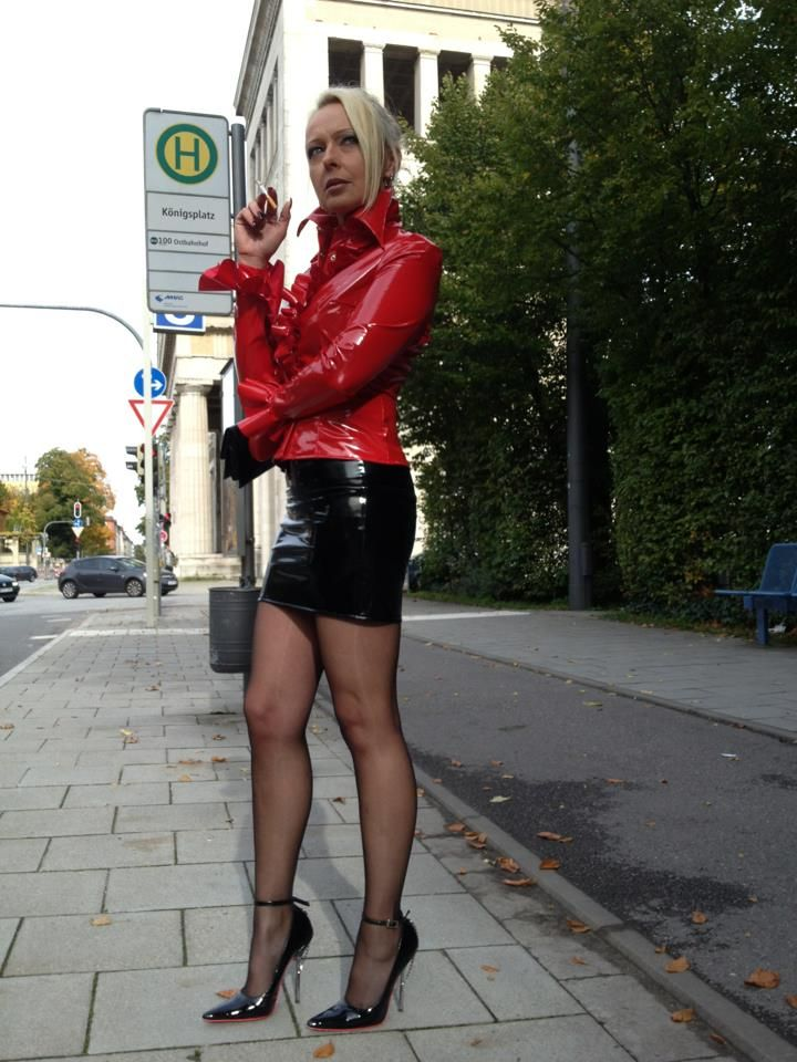 Lives The Pantyhose Lifestyle 48