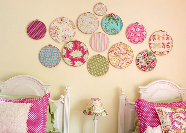 embroidery hoops and scrap fabric - beautiful!