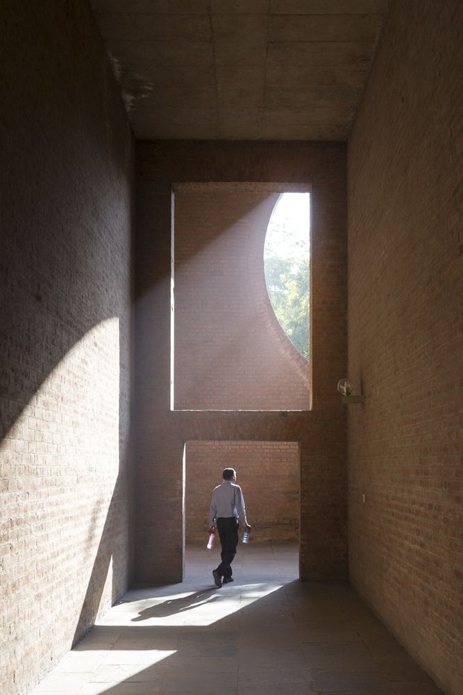 Gallery of Louis Kahn's Indian Institute of Management in Ahmedabad Photographed by Laurian Ghinitoiu - 21