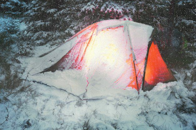 Winter Storm Warning! Surviving a Winter Storm Trapped Outside | SHTF Preparedness - How To Survive When your Stock with a Snow Pile.