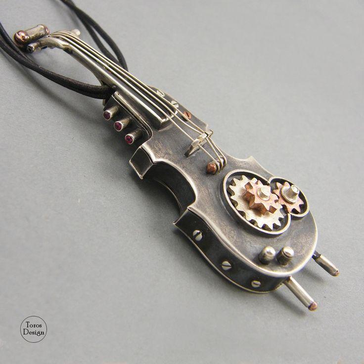 """""""Skrzypce pendrive"""" Srebrny wisior """"Violin pendrive"""" Silver pendant"""