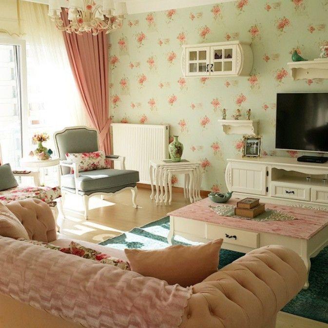 Beyhan hanımın pastel pembe, mavi ve yeşillerle country stil evi.
