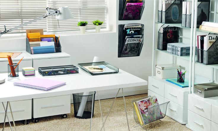 Decorar tu lugar de estudio con esta tonalidad es un clásico. #Muebles2014  #White #Oficina #Easy #EasyTienda #Deco #Inspiración #Diseño  http://www.easy.cl/adelanto-vuelta-a-clases