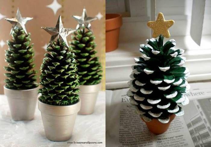 Arbol de navidad con piñas