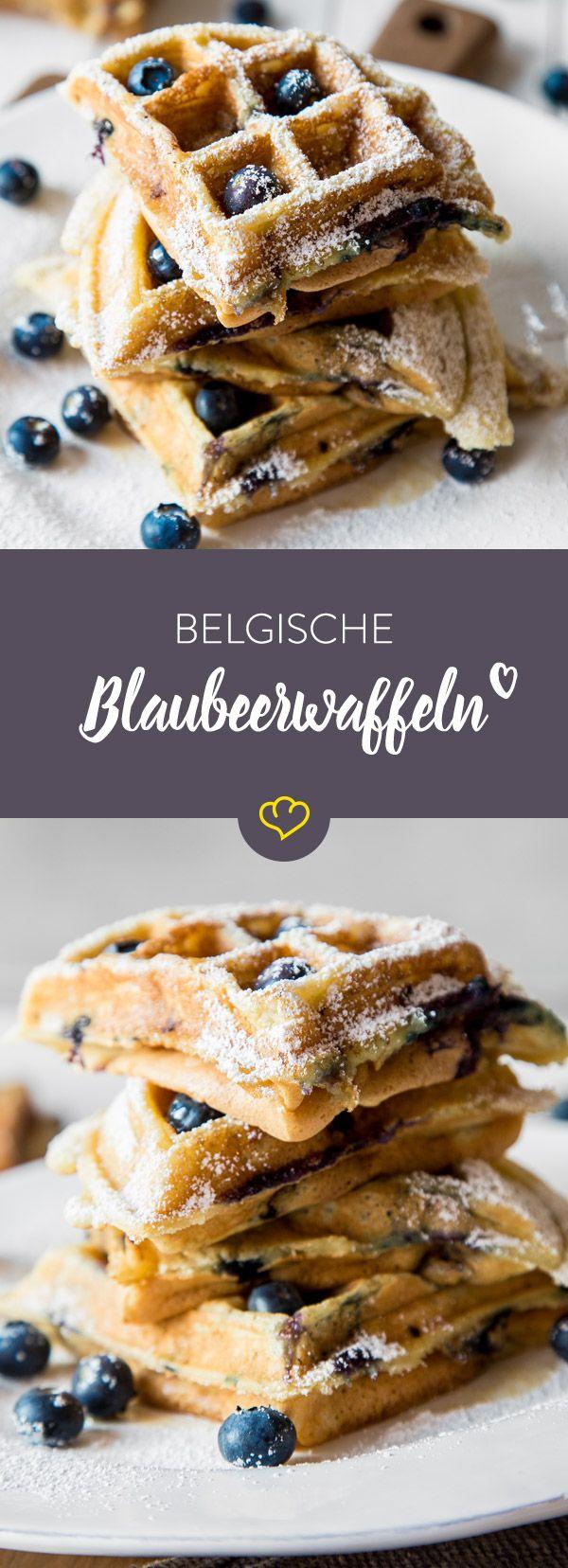 Fluffiger Hefeteig, süße Beeren und eine herrlich knusprige Kruste - klingt nach einem gelungenen Sonntags-Frühstück, oder?