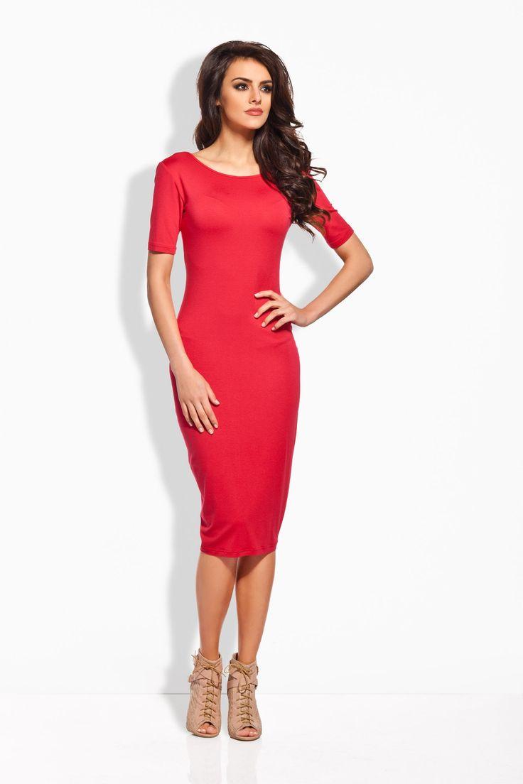 Elegancki ołówkowy fason sukienki nadaje jej uroku. Na plecach głęboki dekolt. Z tyłu u dołu marszczenie. Sukienka wykonana z wysokiej jakości materiału. Bawełna 95 % Elastan 5 %