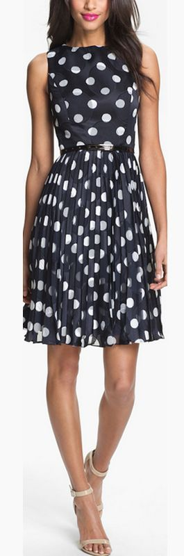 Polka dot party dress by Adrianna Papell http://rstyle.me/n/pufj2n2bn