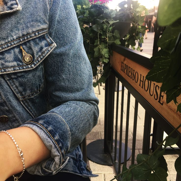 #coffeetime #chillout #jeanjacket