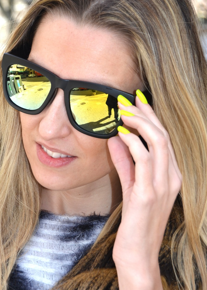 BY MY HEELS: Neon nails and sunnies, so in