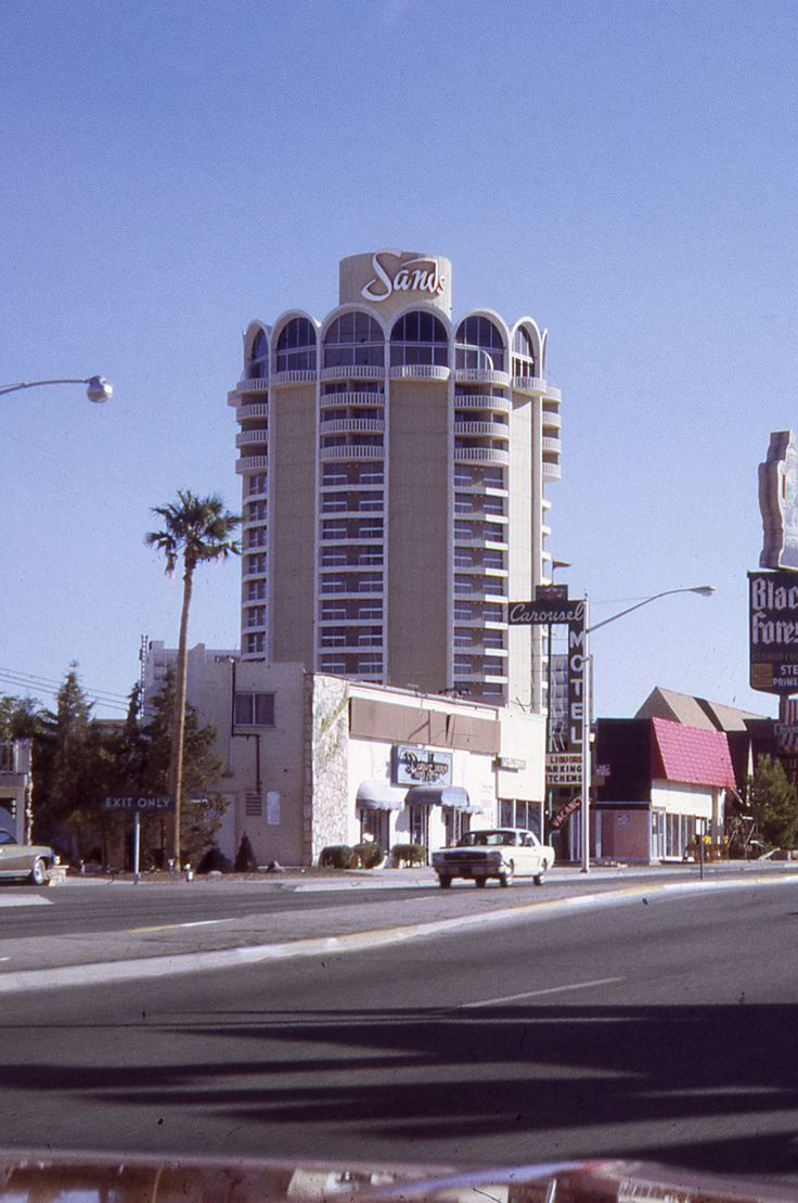 The Sands Hotel (August 1971). The view is obscured by the unglamorous motel and liquor store that existed next to the Sands until the 1980s, carefully positioned out of most amateur and commercial photos spanning four decades. The Venetian Resort is there today.