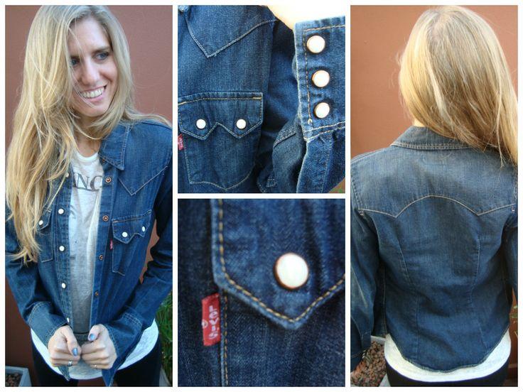 #Camisa de #Jean #Levis T.XS con expandex Ancho de hombros: 34 cm Largo de manga: 62 cm ¡Rebajada por falta de etiqueta! $200