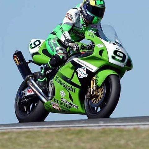 Kawasaki ZX7RR #kawasaki #zx7rr #zxr #zx7r #zxr750 #green #wsbk #sbk