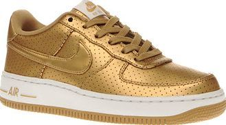 Nike Gold Air Force 1 Lv8 Unisex Youth Kids can go for gold this season, with the Nike Air Force 1 LV8. Crafted in leather, these slick trainers pay homage to the Dream Team - the USA basketball team that won gold at the 1992 Olympic Games http://www.comparestoreprices.co.uk/january-2017-8/nike-gold-air-force-1-lv8-unisex-youth.asp